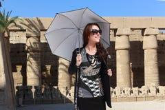 Turystyczna kobieta przy Luxor, Egipt - obraz royalty free