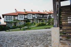 Turystyczna Powikłana górska chata Rubaiyat, Bułgaria Zdjęcia Royalty Free