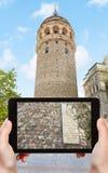Turystyczne fotografie Galata wierza w Istanbuł obrazy royalty free