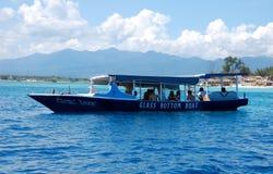 Turystyczne łodzie w oceanie Obrazy Royalty Free