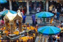 Turystyczny błogosławieństwo Brahma przy Ratchaprasong Thailand Obrazy Royalty Free