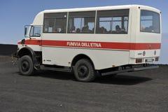 turystyczny Etna wszystkie autobusowy prowadnikowy koło fotografia stock