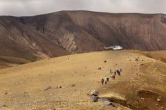 Turystyczny helikopter w kaldera wulkanie Ksudach Południowy Kamchatka natury park obrazy royalty free