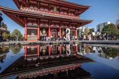 Turystyczny miejsce przeznaczenia Sensoji świątynia, Asakusa, Japonia obrazy stock