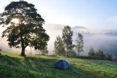 Turystyczny namiot w obozie Obrazy Royalty Free