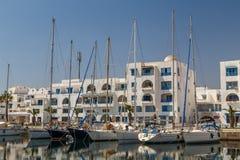 Turystyczny schronienie z jachtami w Monastir zdjęcie royalty free
