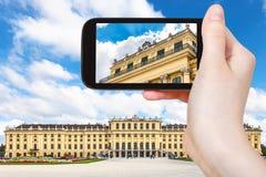 Turystyczny zdjęcie Schonbrunn pałac w Wiedeń Zdjęcie Stock
