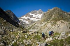 Turystyka w Kaukaskich górach w Gruzja Obraz Stock