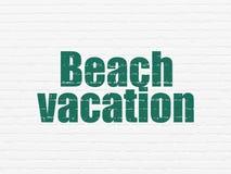 Turystyki pojęcie: Plażowy wakacje na ściennym tle Obraz Stock