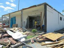 TUSCALOSA,美国2011年4月28日,毁灭的龙卷风的损伤 库存照片