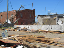 TUSCALOSA, los E.E.U.U. 28 de abril de 2011, daño del tornado devastador Foto de archivo libre de regalías