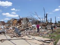 TUSCALOSA USA 28 APRIL 2011, skada av den förödande tromben arkivfoto
