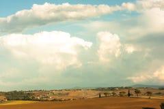 Tuscan καλλιέργεια λόφων Στοκ φωτογραφία με δικαίωμα ελεύθερης χρήσης