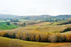 Tuscan landskappanoramautsikt i hösten, Tuscany, Italien arkivfoton