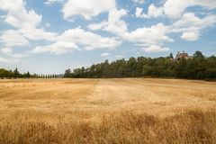Tuscan liggande royaltyfri foto