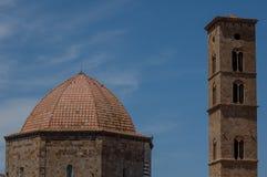Tuscan liten by Arkivbilder
