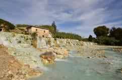 Tuscany& x27 καυτές ανοίξεις του s Saturnia και θερμικό λουτρό Στοκ φωτογραφία με δικαίωμα ελεύθερης χρήσης