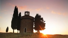 Tuscany - Chapel. Little chapel on a Tuscan Hill in the Orcia valley stock video