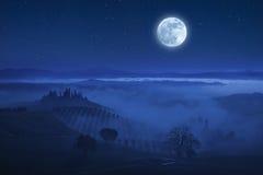 Tuscany gwiazdy i dolina Zdjęcie Stock