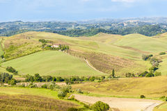 Tuscany - hills and farmhouse Royalty Free Stock Photography