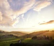 Tuscany krajobraz przy zmierzchem, Włochy Obrazy Stock