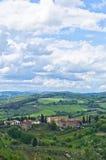 Tuscany kullar, landskap nära San Gimignano Fotografering för Bildbyråer
