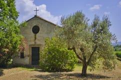 Tuscany kyrkaland Arkivfoton