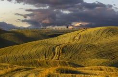 Tuscany landskap, höstfält, Italien, Val, D, Orcia royaltyfri fotografi