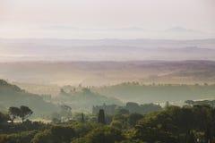 Tuscany landskap på soluppgång Fotografering för Bildbyråer