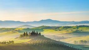 Tuscany landskap på våren arkivfoton
