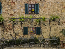 Tuscany lantligt hus Arkivbild