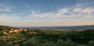 Tuscany liggande   Arkivfoton