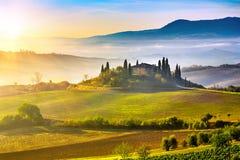 Tuscany på soluppgång Royaltyfri Fotografi