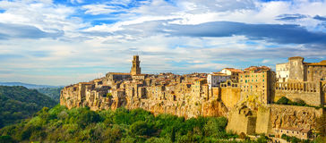 Tuscany, Pitigliano wioski panorama. Włochy Zdjęcie Stock