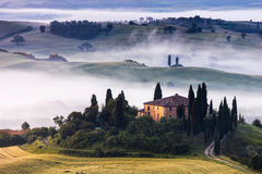 Tuscany ranch i dalen Arkivfoto