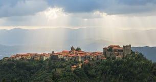 Tuscany, warowny średniowieczny miasteczko, Fosdinovo, Malaspina Obrazy Royalty Free