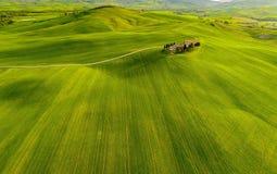 Tuscany widok z lotu ptaka od trutnia w wiosna czasie Zieleń, Italy fotografia royalty free