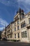 Tusen dollar-hertigliga Palais Royaltyfri Bild
