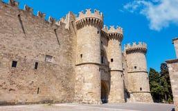 tusen dollar styrer slotten Rhodes Grekland royaltyfria foton