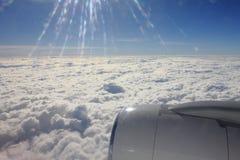 Tussen de wolken en de hemel… Royalty-vrije Stock Afbeeldingen