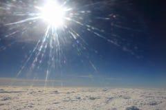 Tussen de wolken en de hemel… Stock Foto