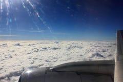 Tussen de wolken en de hemel… Stock Afbeeldingen