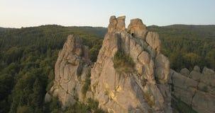 Tustan fortecy - archeologiczny i naturalny zabytek krajowy znaczenie, popularny turystyczny punkt zwrotny Urych, Karpacki Mounta zdjęcie wideo