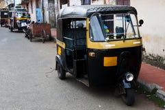 Tut-tuk - taxi automatique de pousse-pousse en Inde Photo libre de droits