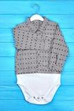 Tuta lunga della camicia della manica del neonato Immagine Stock Libera da Diritti
