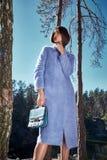 Tuta sportiva alla moda dei vestiti di usura del modello di moda di fascino della donna Fotografia Stock