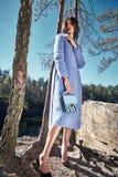 Tuta sportiva alla moda dei vestiti di usura del modello di moda di fascino della donna Fotografie Stock Libere da Diritti