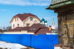 Tutaev, Russland - 28. März 2016 Architektur und allgemeine Ansicht der Stadt Stockfotografie