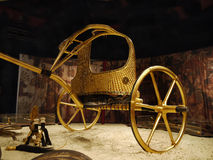 Tutankhamen, Ancient Egypt. Tutankhamen: His Tomb and Treasures. The sumptuously decorated, gilded chariot - The King´s state coach. The international stock image