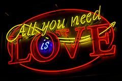 Segno al neon di amore Fotografia Stock